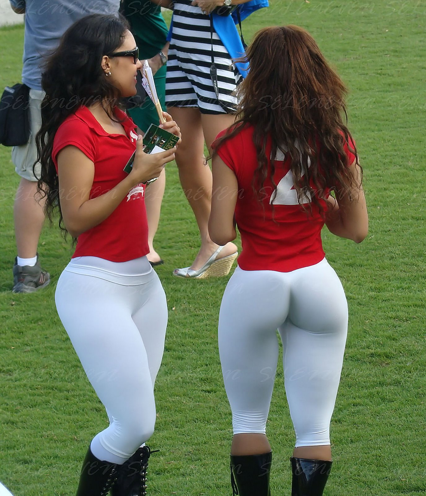 panama-cricket-girls.jpg